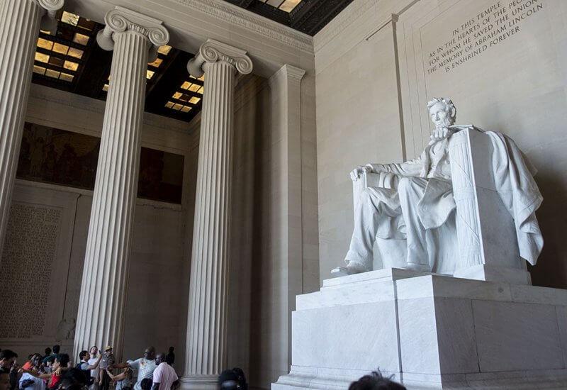 リンカーン記念堂